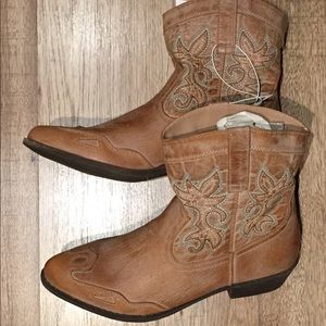 Cowboys boots 👢 new very cute super comfortable